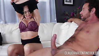 Flexible milf Claudia Valentine wants to show her sexual skills to a guy