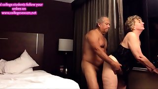 Old big ass wed fucked from behind in the hotel room