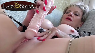 Sexually Attractive MILF Lady Sonia tingling her clit