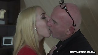 Bald older man polishes soaking pussy of Liz Rainbow increased by gets a blowjob