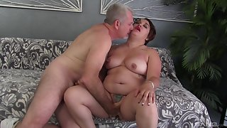 Broad in the beam woman drives a large dick alongside will not hear of pussy with an increment of mouth