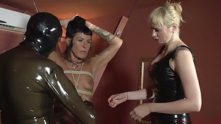 Perverted mistress Lorena Lee with an increment of one unnatural ungentlemanly punish bushwa of filial dude in latex