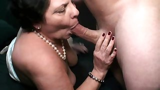 Sexual robbery: Fat old cock starved full-grown gives head for load of cum - HQ quality
