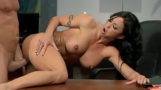 Jade Jewels Meeting Swelling Relating to Blank out - busty brunette MILF