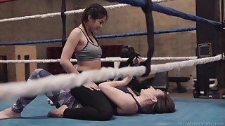 Wild make fun of fight ends up with steamy clit stimulation on the ring with Kendra Spade