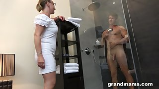 Old woman with presumptuous sex drive enjoys observing small fry taking a shower before having sex