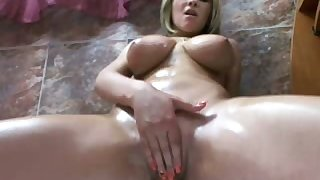 This overindulgent flirt with big interior is no longer shy about masturbating in excess of cam